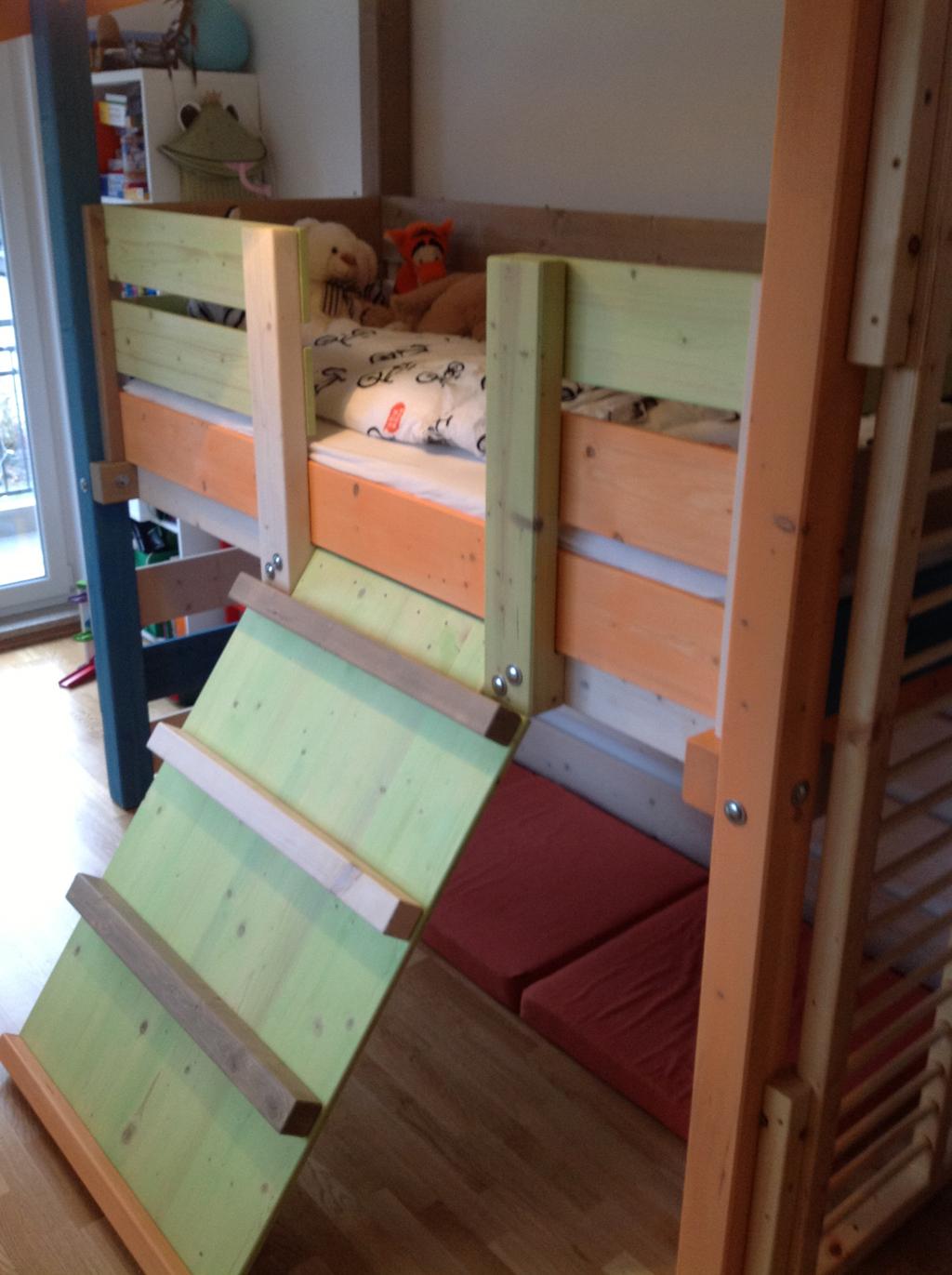 kinderhochbett und spielparadies marc behrend gutes. Black Bedroom Furniture Sets. Home Design Ideas